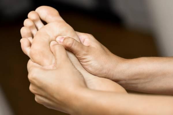 D8A8DB8C D8ADD8B3DB8C D9BED8A7 - درد کلیه در مقابل کمر درد تفاوت این دو چیست؟