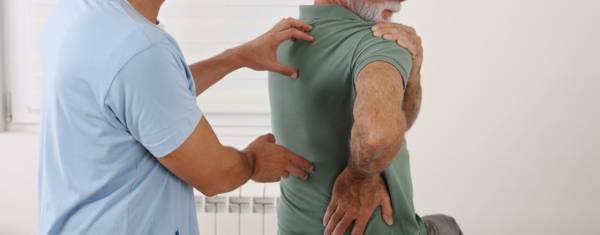 D9BED8A7D8B1DAAFDB8C D8AFDB8CD8B3DAA9 DAA9D985D8B1 - کمر درد را چه موقع باید جدی بگیریم؟ + درمان